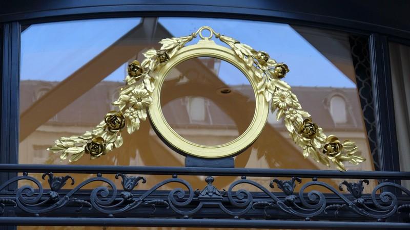 grilles d'entrée - Hotel Peninsula - Paris - AOF